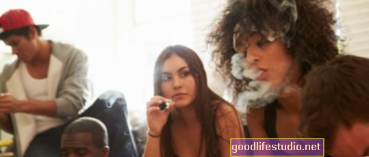 Temendo la schizofrenia dopo aver fumato marijuana