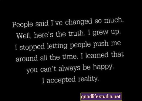يقول الأصدقاء أنني تغيرت وأنني نفاق