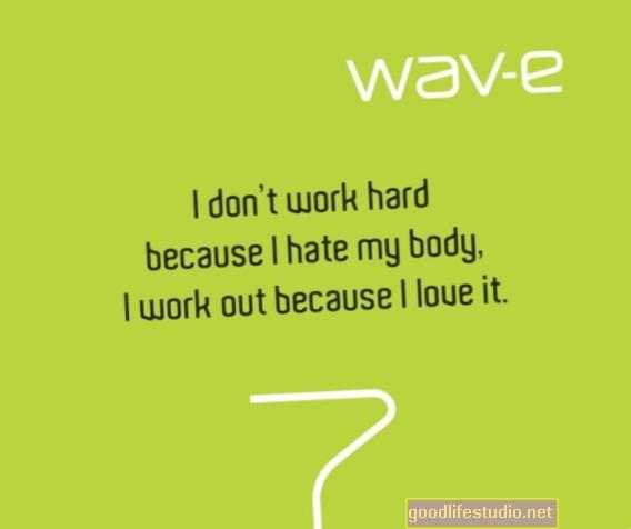 Es ienīstu savu ķermeni striju un vaļīgas ādas dēļ