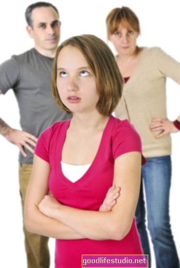 Баща ми отказва да говори с майка ми