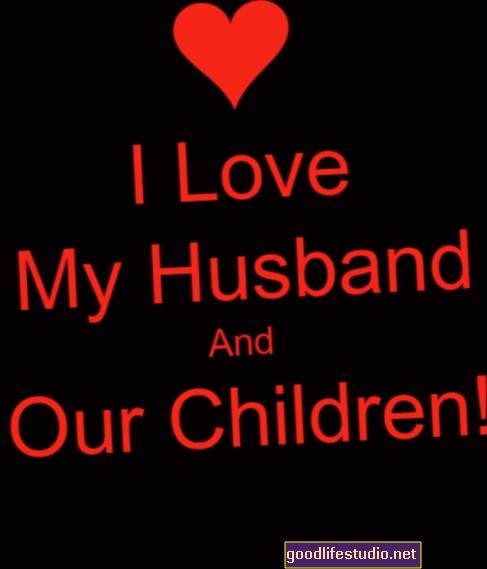 Съпругът ми и аз сме притеснени, тъй като синът ни настоява да се оженим за дъщеря на шизофреника