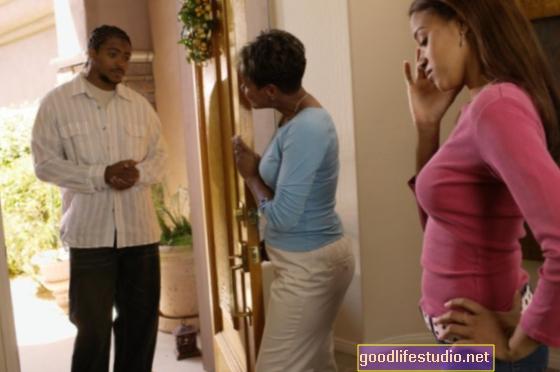 Los padres y la familia desaprueban a mi novia