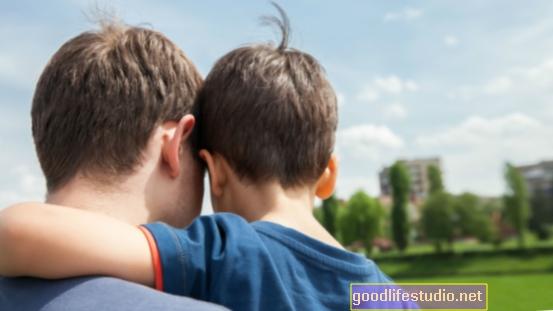 Sūnaus nedalyvaujantis tėvas, sukeliantis nelaimę