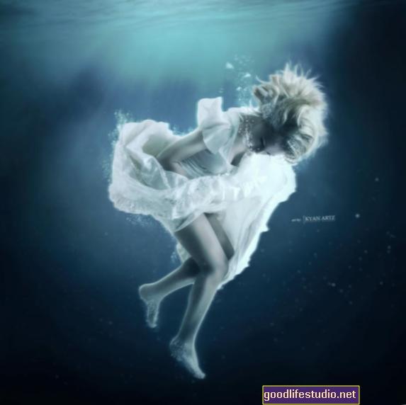 Pesadillas recurrentes repentinas sobre el ahogamiento