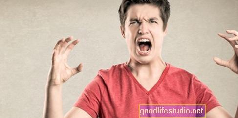 Paaugliai, turintys pykčio ir pykčio problemų