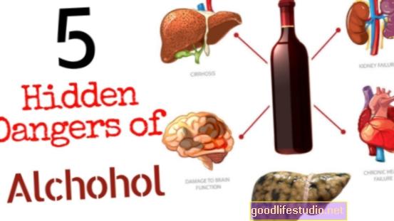 ¿Cuáles son los peligros de mezclar antipsicóticos y alcohol?