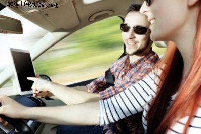 15 písní k poslechu, pokud máte rádi auta a řízení