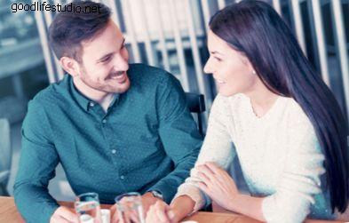 12 cose da ricordare se sei sposato e flirtando (se sei un ragazzo)