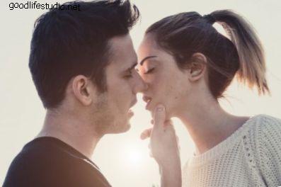 10 načina kako da vas momak poljubi