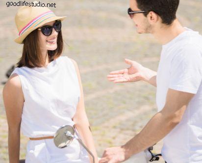 Cómo acercarse a una chica en público e impresionarla