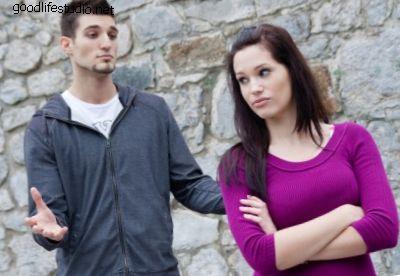 6 ствари које треба да кажете када вам је девојка бесна