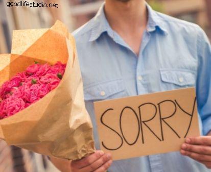 12 писем с извинениями, чтобы отправить своей девушке