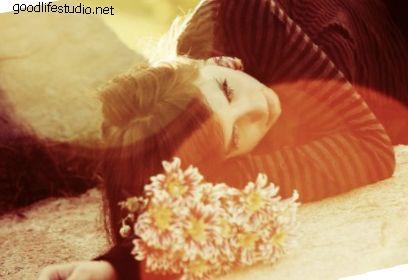 Nesposobna za ljubav: 11 znakova poremećaja emocionalne uskraćenosti