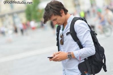 ¿Qué significa cuando un chico te envía dos mensajes de texto?
