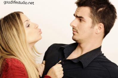 Ką reiškia, kai vaikinas tavęs bučiuoja?