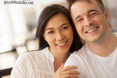 Почему некоторые белые мужчины предпочитают азиатских женщин?