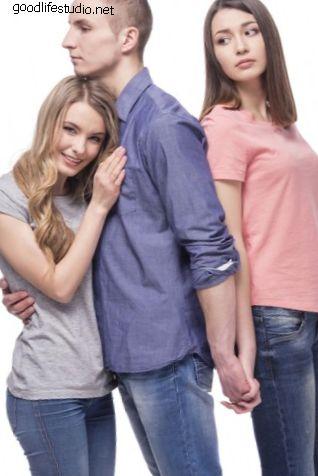 Почему мой парень изменял мне со своей бывшей девушкой?
