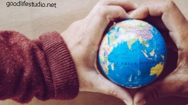10 песен о мире во всем мире
