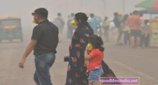 Ô nhiễm không khí có thể liên quan đến nguy cơ mắc bệnh Alzheimer cao hơn
