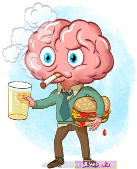 El alcohol sensibiliza el cerebro al aroma de los alimentos