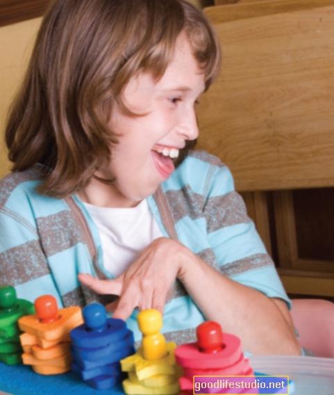 自閉症の幼児は目の接触の重要性を見逃すかもしれません
