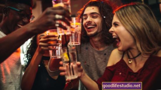 Pārmērīga dzeršana ir saistīta ar ilgtermiņa sieviešu bezdarbu