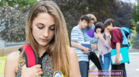 A zaklatott tizenévesek sokkal valószínűbb, hogy fegyvert hoznak az iskolába