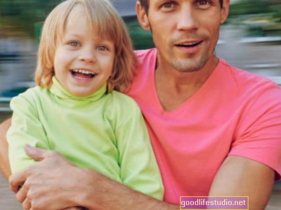 Comunicarse con papá después del divorcio es importante para la salud de los adolescentes
