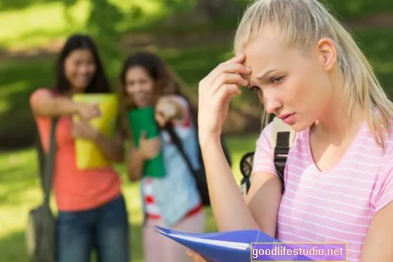 Befolyásolja-e a kortárs nyomás a tizenéveseket?