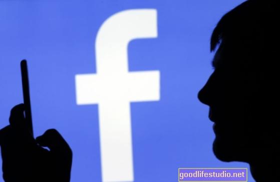 L'attività politica su Facebook si traduce nel mondo reale?