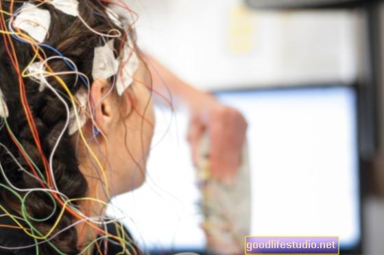 La prueba de EEG mide el riesgo de esquizofrenia