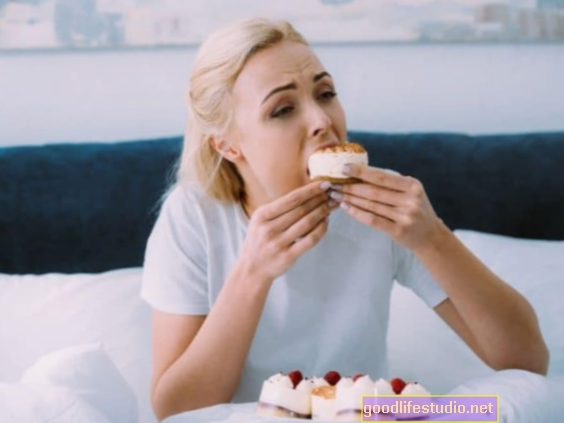 Makan Emosi Selepas Perpisahan Buruk Mungkin Tidak Menambah Berat Badan