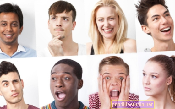 Изражавање емоција варира културом
