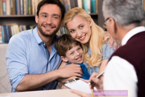 Сімейна терапія допомагає дітям, яким загрожує біполярний розлад