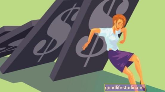 身体的痛みの認識に結びついた財政的ストレス