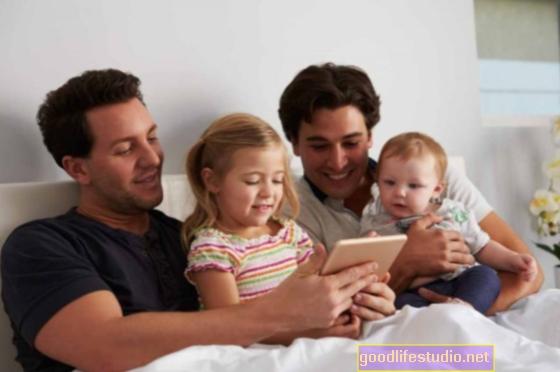 Los padres homosexuales tienen hijos bien adaptados