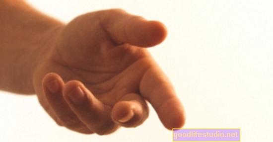 Los movimientos de las manos revelan la lucha por el autocontrol