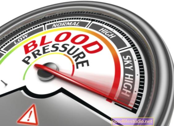 In che modo l'ipertensione potrebbe giovare all'adattamento degli adolescenti e alla qualità della vita?
