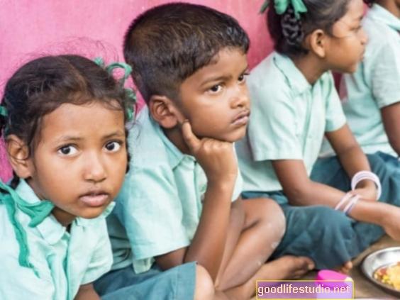 В Индия твърде гладен, за да се учи