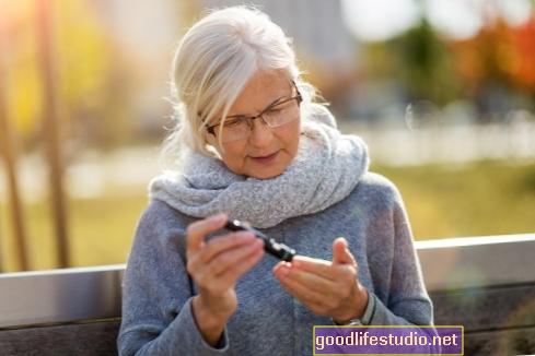 При възрастни възрастни, диабет тип 2, обвързан с намаляване на словесните умения в продължение на 5 години