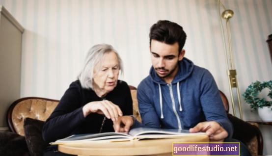 Šeimos įtraukimas į globą gali padėti išgydyti, sumažinti readmisijas