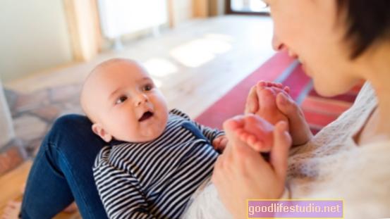 Bayi Menanggapi Jenis Sentuhan Pengasih yang Tertentu