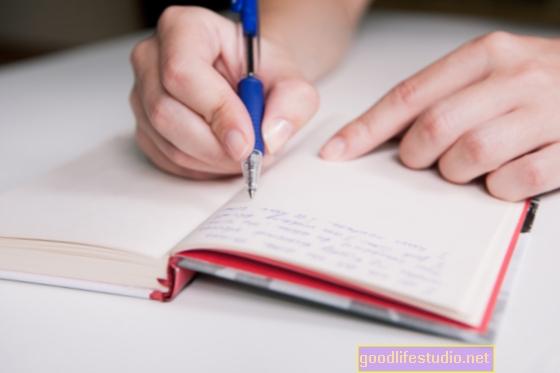 Llevar un diario puede empeorar el dolor de una relación fallida