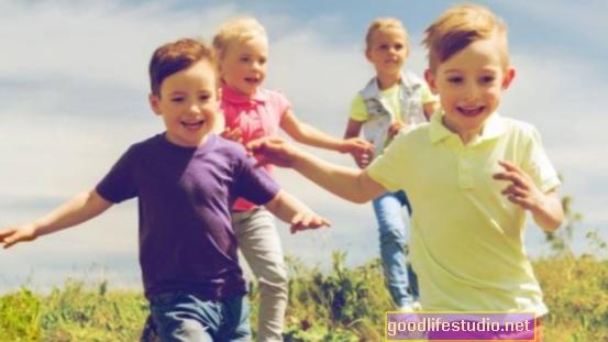 Децата процъфтяват, когато родителите са щастливи, подкрепено