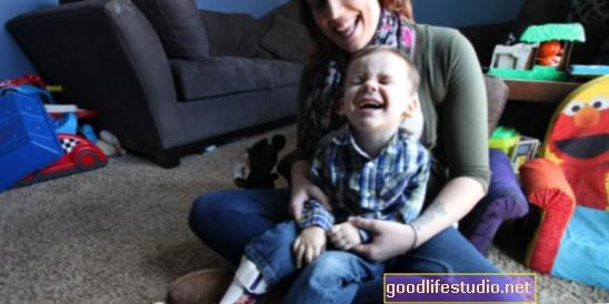 Децата на малтретираните майки са много по-вероятно да имат нисък коефициент на интелигентност