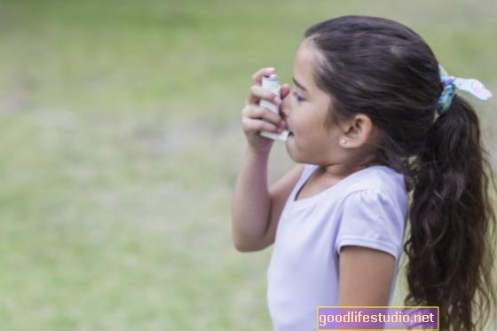 Vaikus, sergančius astma ir psichinės sveikatos problemomis, reikia atidžiai stebėti