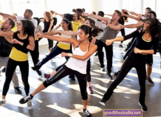 Stejně jako aerobní cvičení může jóga vylepšit mozek