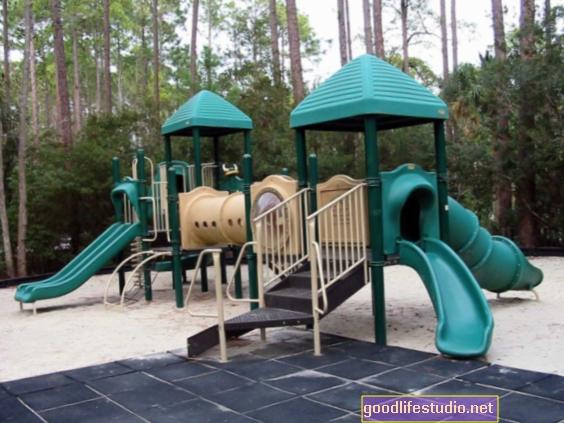 Локални паркови и игралишта помажу тинејџерима да повећају активност