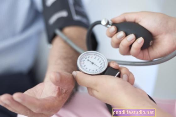 La soledad aumenta la presión arterial