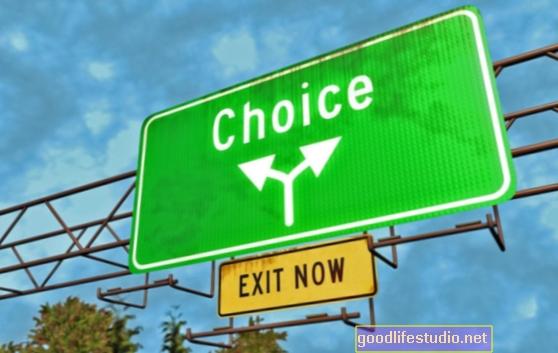 Правейки избор между честност и личен интерес